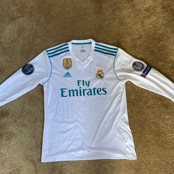 check out a194a 89c7d Ronaldo Real Madrid Long Sleeve Home Jersey 17/18
